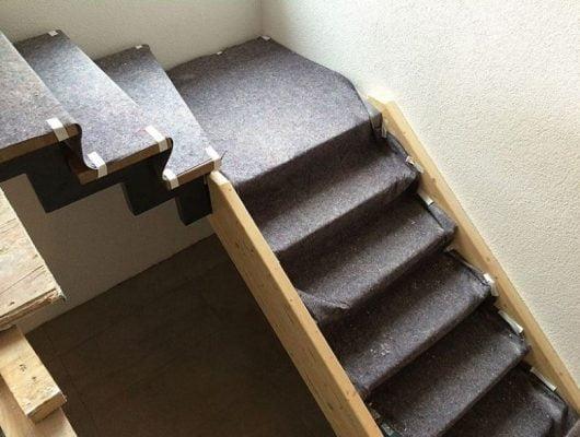 Thảm bảo vệ sàn cầu thang